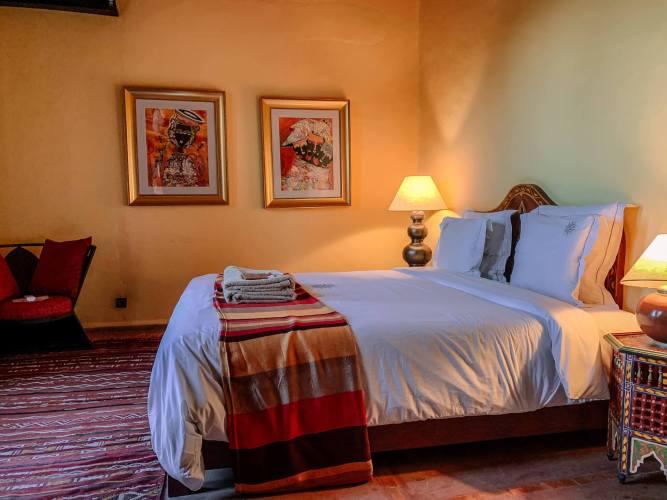 Le Jardin des Douars Mogador Suite bed
