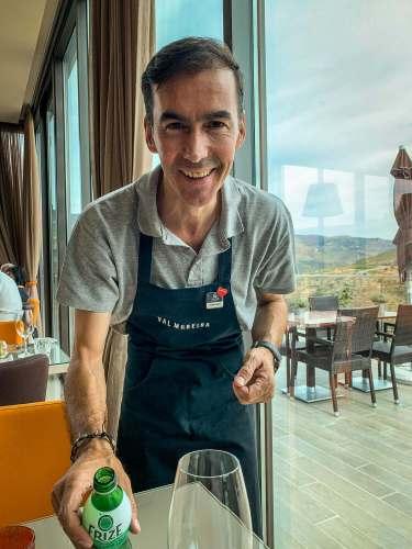 Fernando waiter Vila Gale Douro