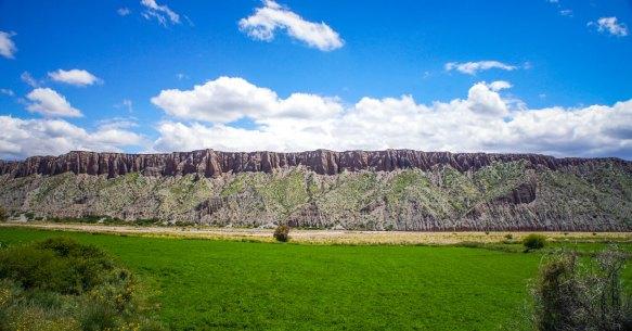 Canyon ridge altiplano Salta