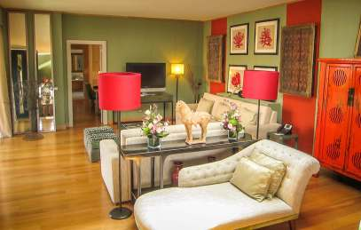 Villa Italia presidential suite couches