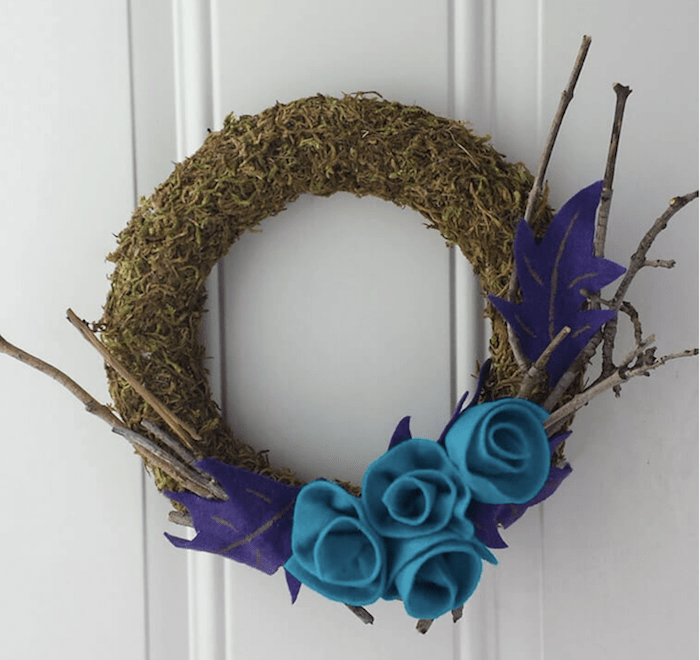 DIY Moss decor wreath idea