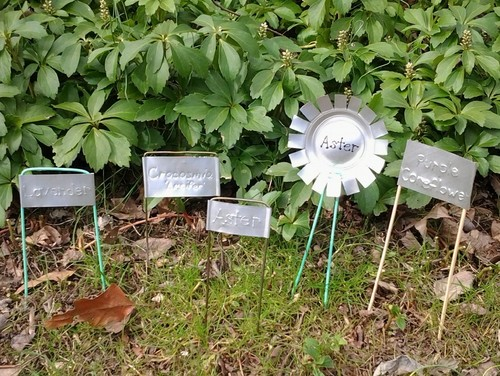 garden markers made from aluminum cans