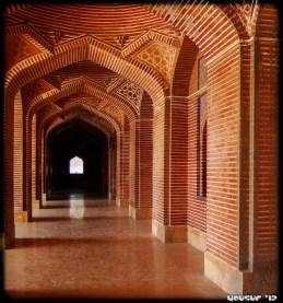 Girih Pattern on Pillars - Shahjahani Masjid, Pakistan