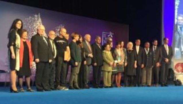 All participating Nobel Peace Laureates on stage