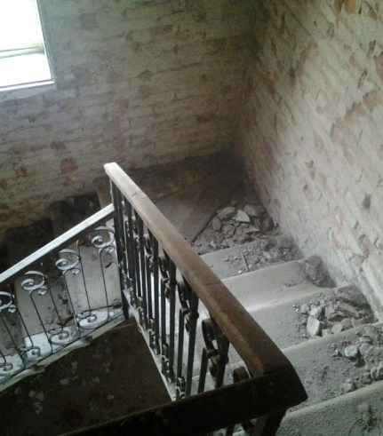 05-stairs-view-down