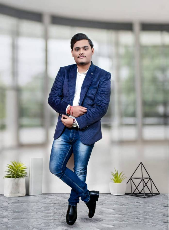 Mohit Gupta, who is Mohit Gupta, CS Marketing founder, who is founder of CS Marketing, book Bang On Instagram Business & Meme Marketing