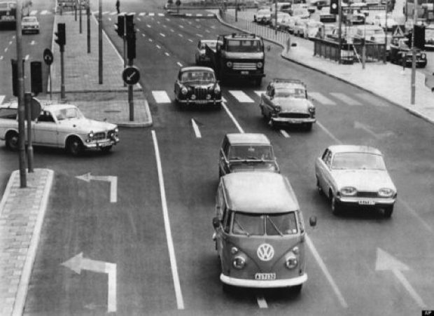 صورة لسيارات و وسائل نقل قديمة