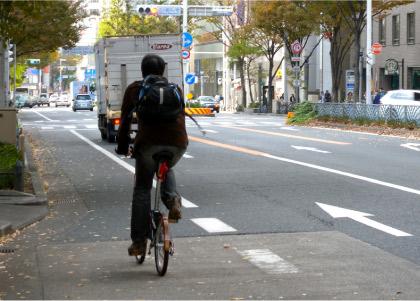 自転車に乗っている人に言いたい 歩道?それとも車道?
