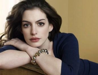 Anne Hathaway aparece desnuda en unas fotos robadas
