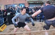Rugby Oyuncusundan Sokak Dövüşü Performansı