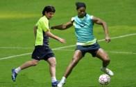Ronaldinho Antrenman Şov İle Döktürüyor!