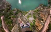 50 Metre Yükseklikten Denize Paraşütle Atlama Şovu