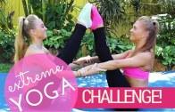 Seksi İkizlerin Yoga Kapışması ile Eğlenceli Anlar