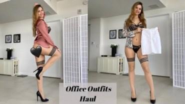 Seksi Valentina'dan Yürek Yakan Ofis Kıyafeti Defilesi