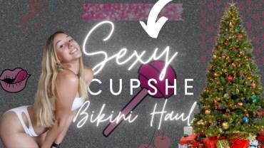 Seksi Emalie'den Baştan Çıkaran Bikini Şovu Karşınızda
