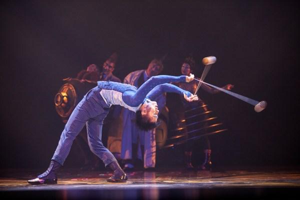 Cirque du Soleil - Kurios - Tom Black - Tomonori Ishiguro - YoYo