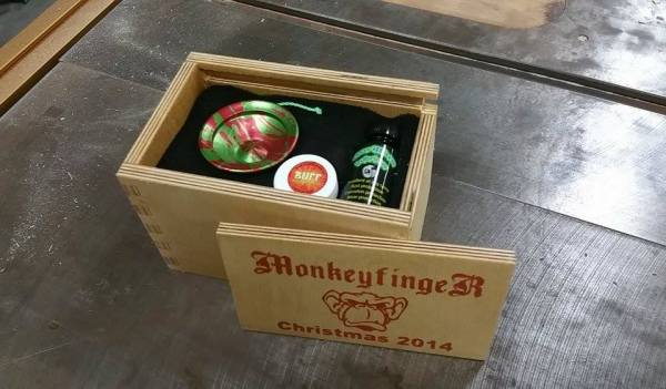 Monkeyfinger Christmas Giveaway