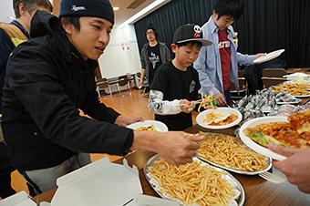 Eiji loves fries