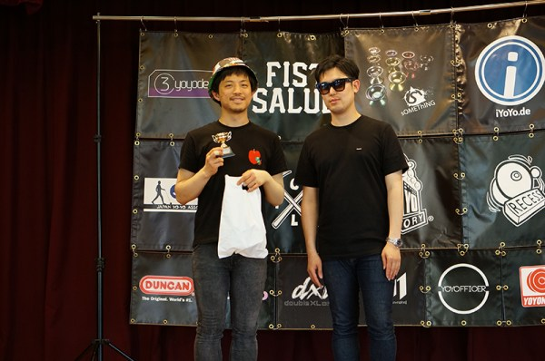 Freestyle winner Tomoyuki Kaneno and sOMEThING boss Mickey!