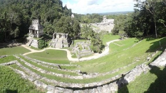 Une partie du site Maya de Palenque au Mexique photo blog voyage tour du monde https://yoytourdumonde.fr