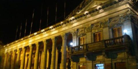guatemala-queltzaltengo-voyage-travel-marche-volcan