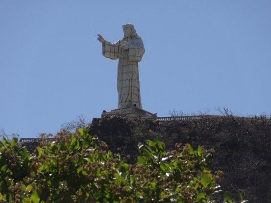 Comme Rio de Janeiro la ville de San Juan Del Sur à son Chrirst. Ici c'est le Christ de la Miséricorde photo blog voyage tour du monde travel https//yoytourdumonde.fr