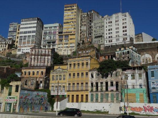 Visite de Salvador de Bahia entre la ville haute et la basse ville au Brésil photo blog voyage tour du monde travel https://yoytourdumonde.fr