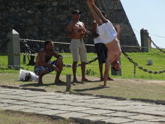 Capoeira à Salvador de Bahia au Brésil photo blog voyage tour du monde travel https://yoytourdumonde.fr