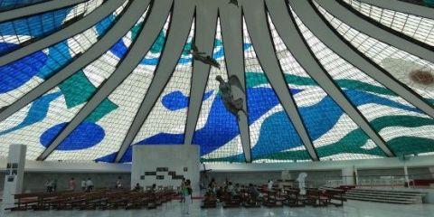bresil-cathedrale-superbe-brasilia