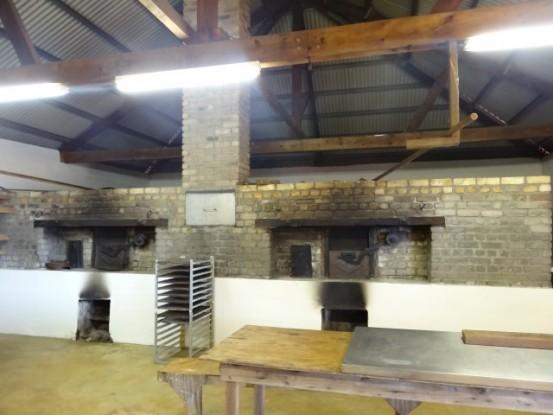 Nouvelle-Caledonie: Mine de Tiebaghi ici les anciennes cuisines.
