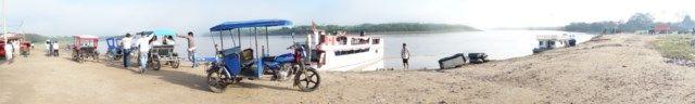 Voyage au Perou: Presque toute la vie économique se passe sur le fleuve.