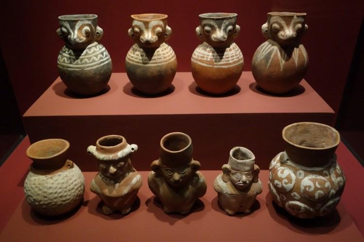 Perou: Objets retrouvés dans la tombe du Seigneur de Sipan