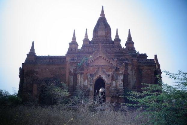temple dans bagan photo voyage tour du monde https://yoytourdumonde.fr
