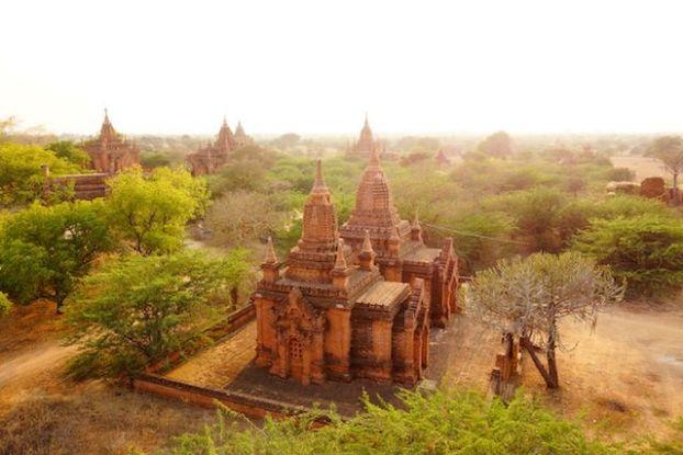 temple bagan cite archeologique voyage tour du monde https://yoytourdumonde.fr