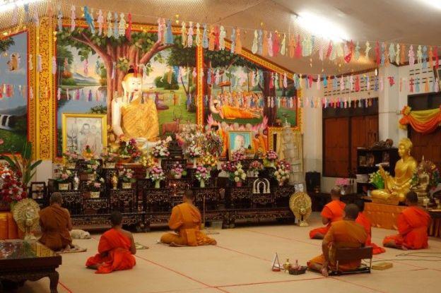 moine-bouddhsite-meditation-travel-voyage-thailande