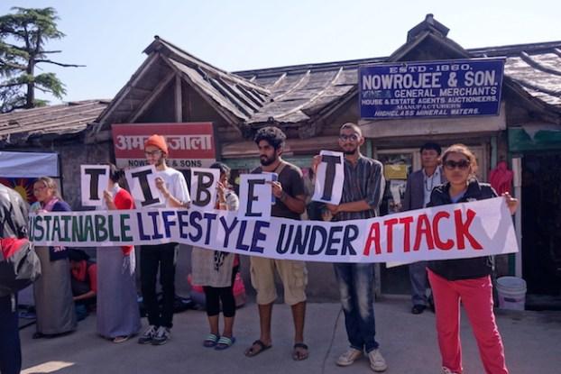 Les manifestations pour un Tibet libre ne s'arrête pas du coté de Dharamsala photo blog voyage tour du monde https://yoytourdumonde.fr