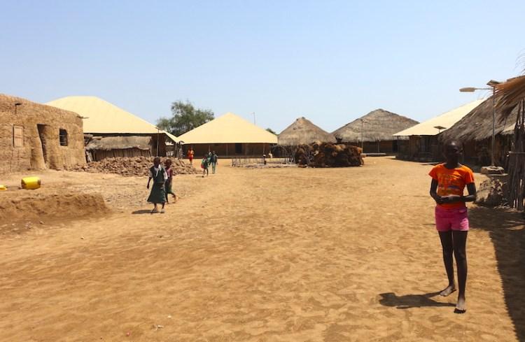 Eloubaline est une petite ile avec une tres forte culture, un village typique de Casamance photo blog voyage tour du monde https://yoytourdumonde.fr