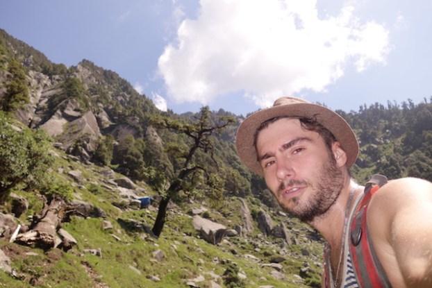 Triund Hill est le trek ou la randonnée à faire du coté de Dharamsala en Inde un paysage magnifique vous y attends https://yoytourdumonde.fr