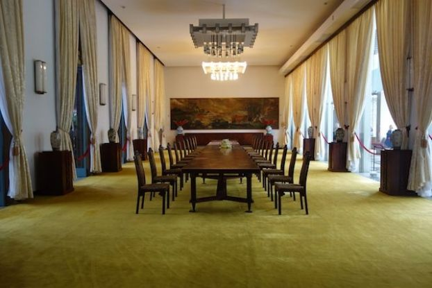 La salle des banquets dans le palais de la reunificaton sur le site https://yoytourdumonde.fr