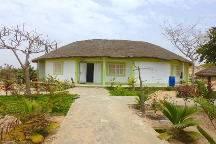 Maison à impluvium hotel sénégal casamance diembering photo blog voyage tour du monde https://yoytourdumonde.fr