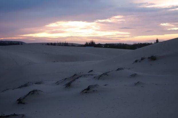 le soleil se leve sur le desert de Mui Ne blog https://yoytourdumonde.fr