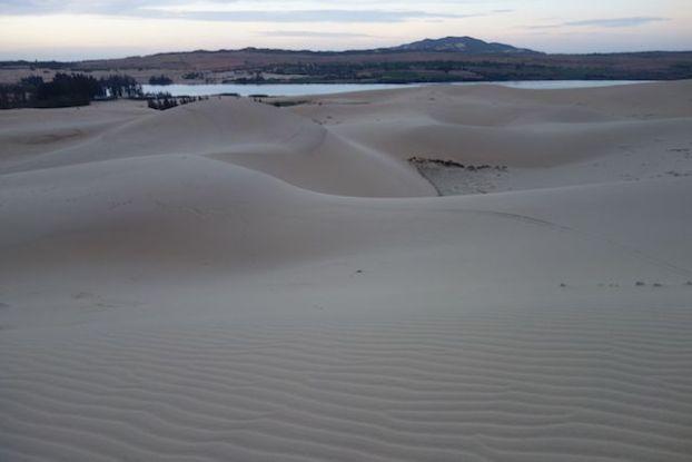 Au petit matin les dunes de sables dans le magnifiques desert de Mui Ne dans le sud du vietnam blog https://yoytourdumonde.fr