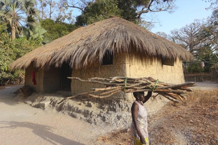 Sénégal Casamance Bouyouye village solaire photo blog voyage tour du monde https://yoytourdumonde.fr