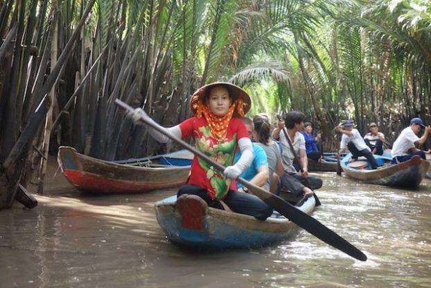 Nombreux bateaux sur le Delta du Mekong blog https://yoytourdumonde.fr