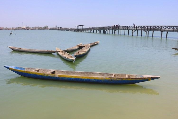 Vous pouvez accéder à l'ile des coquillages soit par bateau soit grace à un très joli pont en bois. Photo blog voyage tour du monde https://yoytourdumonde.fr