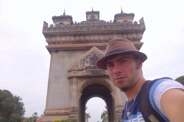 Laos Vientiane photo blog voyage tour du monde https://yoytourdumonde.fr