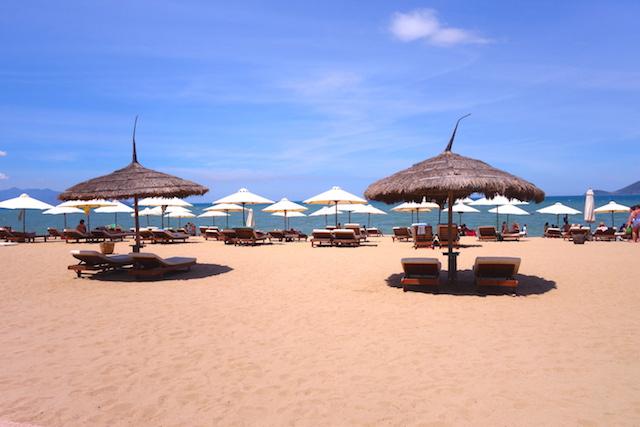Magnifique station balneaire de Nha Trang numero un pour le Lonely Planet. Photo blog voyage tour du monde https://yoytourdumonde.fr