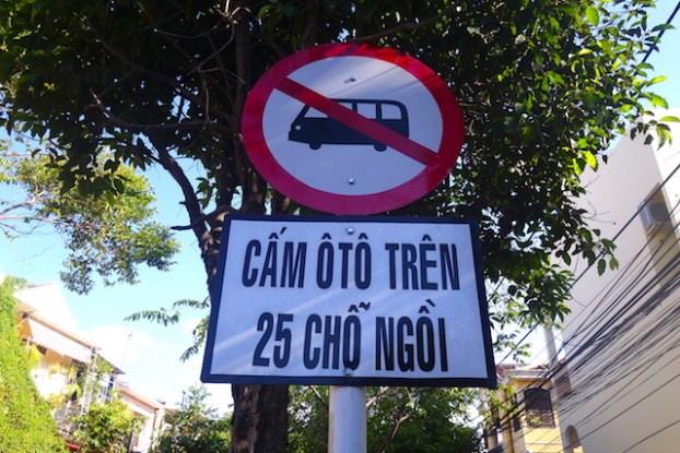 Le centre ville historique est interdit aux voitures pendant plusieurs heures de la journée photo blog voyage tour du monde https://yoytourdumonde.fr