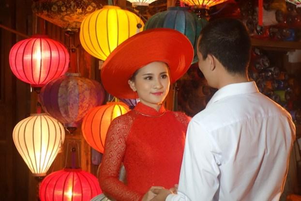 Hué et Hoi An sont deux villes réputées pour avoir les meilleurs tailleurs d'Asie à un rapport qualité-prix. Photo blog voyage tour du monde https://yoytourdumonde.fr