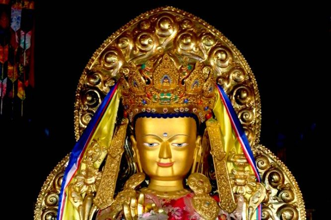 Bouddhiste shintoisme tel est la question photo blog voyage tour du monde https://yoytourdumonde.fr